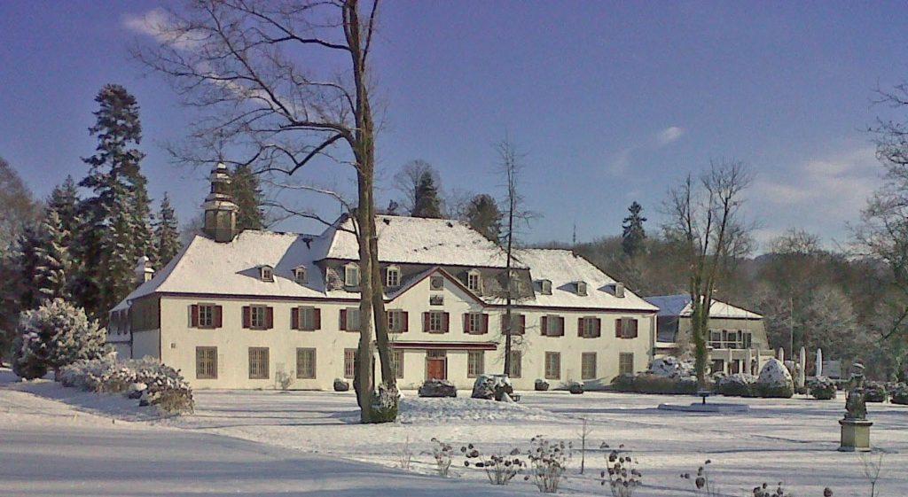 Schloss Auel Boutique Hotel - im Schnee